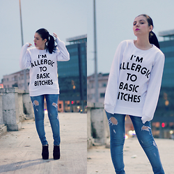 Emel Acar - Sheinside Sweatshirt - Allergic to Basic *itches