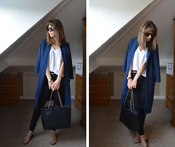Helen Hird -  - SPRING TIME DUSTER