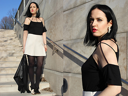 Elisa Cesarini - Bershka Tee, Accessorize Earrings, Space Style Concept Skirt, Marni Shoes - Sexy neck