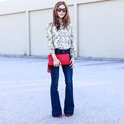 Elizabeth Lee (Stylewich) - Doll Memories Blouse, Express Flare Jeans, Gucci Clutch - Seventies