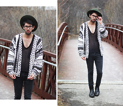 Bobby Raffin - Camo Ranger Hat, Thrifted Oversized Cardigan, Carlo Pazolini Leather Boots - Lazy Caterpillar