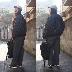 Yu Kuwabara - G.V.G.V. Oversized Lace Up Ma 1 Blouson, G.V.G.V. Tailored Wide Leg Trousers, Lorinza Backpack, Sea × Masaca Hat Cap, Nike Lunar Internationalist - Make A Back-style Statement
