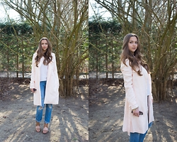 Jana Couture - Mint&Berry Trenchcoat, Zara Jeans - Pale Pink Trench