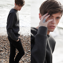 Georg Mallner - Ford And Harris The 'Mick' Long Ring   Solid Sterling Silver, Weekday Sweater - April 02, 2015