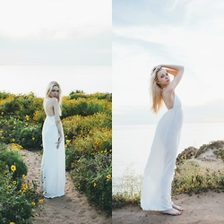 Julia Roga - Urban Outfitters Dress - Down on the West Coast