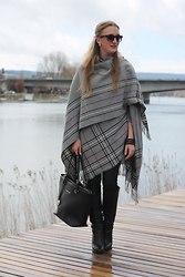 WMBG . - Ray Ban Sunglasses, Michael Kors Bag, C&A Cape, Zara Leather Boots - Cape for rainy days