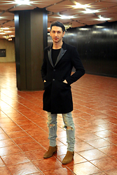 Marco Clò - Saint Laurent Runway Aw13 Paris Mii Black Leather Lapel Long Coat By Hedi Slimane, Saint Laurent Runway Aw13 Paris Mii Black One Pocket Sweatshirt By Hedi Slimane, Saint Laurent Runway Aw13 Paris 15cm Mij Indigo Knee Blowout Destroyed Stretch Denim Jeans By Hedi Slimane, Saint Laurent Runway Aw13 Paris 4cm Mii Ocher - NDK_