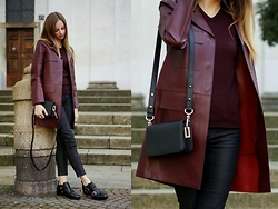 Olya Suvorova - Zara Cut Out Lether Boots, H&M Merino Wool Pullover, Zara Faux Lether Coat, & Other Stories Leather Cross Body Bag - Burgundy love