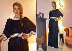 Amina Allam - Amina Allam By Caftan.Me Traditional Caftan, Giuseppe Zanotti Mules - Invited to a Moroccan wedding