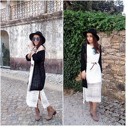 Catarina Santos - Bershka Boots, Stradivarius Midi Crochet Dress - Soulful