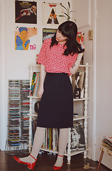 Noémie B. - Vintage Blouse, Vintage Skirt, Forever 21 Shoes - TO FIND OUT