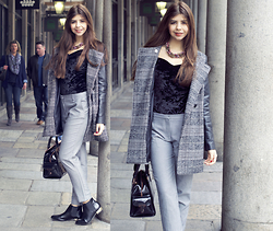 Reneta Kanevska - Asos Body, Miss Selfridge Coat, Mango Trousers, Asos Booties, Ted Baker Bag - A day at Covent Garden