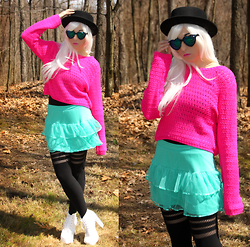 Lauren H - Forever 21 Pink Sweater, Black Milk Clothing Sporty Stripe Hosiery - Eh, Eh (Nothing Else I Can Say)