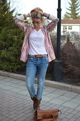 Christina Makholm - Zara Jacket, Arnie Says T Shirt, Mos Mosh Jeans, Old Gringo, Mexicana Boots, Mulberry Bag, Ray Ban Sunnies, Kyboe Watch, Moost Wanted Braclets, Buddah To Braclet, Rare Belt - A flirt with colors