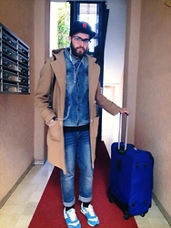 Monè MYBOWTIEBOY - Giorgio Armani Coat, Cheap Monday Jeans, Bershka Shoes, Prada Glasses, Ny Hat, Vintage Jeans Jacket - DNM