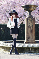 Lady Juliet - Karen Millen Biker Jacket, Kaos Black Dress, Miista Emi Boots, Topshop Round Sunglasses - Cherry Blossom