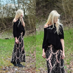 Faye S. - For Love & Lemons Skirt, Dr. Martens Boots, Vintage Sweater, Regalrose Necklace - They clap their hands