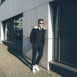 Florian Roser - Ami Jacket, Asos Suit, Ben Sherman Shirt, Cos Tie, Superga Sneakers - Black'n beige