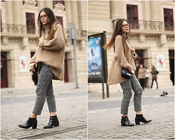 Joana Santos - Zara Knit, Bershka Pants, Pull & Bear Boots, Zerouv Glasses - DANCING IN THE RAIN