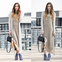 Lisa Fiege - Dress, Cardigan, Shoes, Bag, Scarf - The Weekend