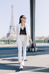 Alex Closet - Kiabi Top, Converse Sneakers - All white