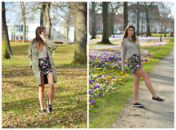 Cerasela Bortos - Mango Flowerish Skirt, Zara Sweater, H&M Sneakers - Springish