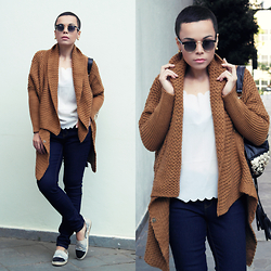 Priscila Diniz - Brown Batwing Cardigan, Flat Shoes, Jeans, Sunnies - Basics