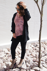 Nelly Ojeda - Diy, Thrifted Black Kimono, C&A Black Jeggings, Zara Suede Cut Out Boots, Miau Miua Store - How I Style Tie Dye! (DIY & Outfit)