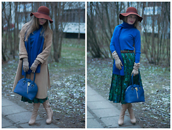 Sandra Saimon - Asos Wide Brimmed Hat, Zarina Electric Blue Scarf, Betsy Nude Boots, Zarina Electric Blue Bag, Vintage Basic Coat - Another 70s inspiration