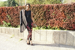 Jun D. - Zara Veste, Asos Top Peplum, Cateyes London Pochette, Tripp Nyc Skinny, New Look Sandales Noeuds - Ma belle rose