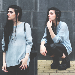 CLAUDIA Holynights - Hellaholics Pendent Necklaces, Asos Oversized Jumper - Pastel blue obsession