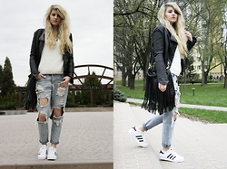Gabriela Kugla - Style Moi Outerwear, Oasap Sweater, Style Moi Jeans, Adidas Shoes - Baggy Outfit