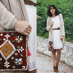Duygu Trgt - Diy Boho Bag, Stradivarius Dress, Bershka Boots - Boho Bag