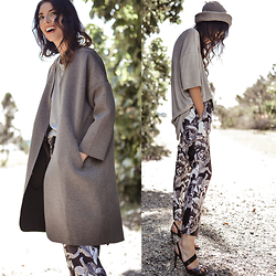 Elle-May Leckenby - Isla Floral Pants, Drop Sleeve Grey Shirt - Monday, you beautiful thing