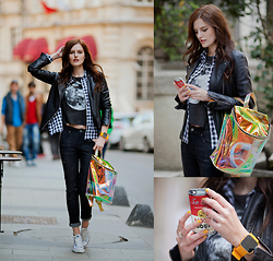 Viktoriya Sener - Mango Leather Jacket, Sheinside Shirt, The Golden Heart Moon T Shirt, 1face Watch, Soorty Jeans, Young Hungry Free Baackpack, Converse Trainers, Zero Gravity Iphone Case - BLACK