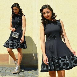 Dunja Haqmal - Four Flavor Dress, Michael Kors Sneakers, Zara Bag - BLACK DRESS