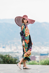 Ania B - Poppy Barley Mary Janes, Natori Caftan, H&M Hat, Miu Sunglasses - That la life