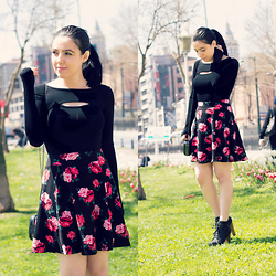 Emel Acar - Sheinside Top, H&M Skirt, Oasap Bag - Earth laughs in flowers!