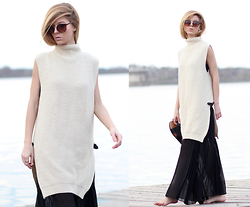 Sirma Markova - Romwe High Neck Sleeveless Sweater, Romwe Pleated Maxi Dress, Take My Yellow Dress Rings, Sheinisde Sunglasses, H&M Bio Sandals - Pleats'n'Knit