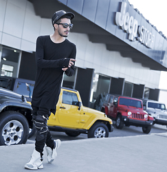 Mohcine Aoki - Hater Snapback, Underated, Guylook Ysl, Jessica Buurman Rick Owens Adidas - I'll Stop wearing Black when they invent a Darker color