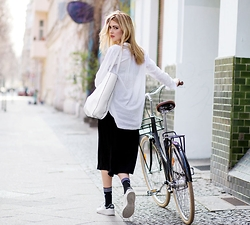 Ebba Zingmark - Urban Outfitters Skirt, Urban Outfitters Pants, Urban Outfitters Bag, Adidas Sneakers, Socks, Lekker Bike - Cropped and wide