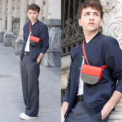Jorge Barceló - Acne Studios T Shirt, Cos Jacket, Burberry Belt, Parfois Bag - 70s minimal @ www.juicyguile.com