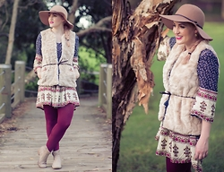 Ashleigh McCallum - St Frock Penelope Shift Dress, French Connection Faux Fur Vest, Forever 21 Tights, Portmans Felt Hat, Jo Mercer Sienna Boot - Into The Woods
