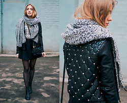 Anna Pogribnyak - Topshop Scarf, Forever 21 Faux Leather Jacket, Topshop Chelsea Boots, Only Sweater, Zara Bag - Scarf is love