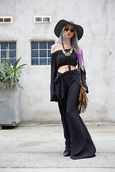 Sera Brand - Posh Square Soloiste Black Public Affair Pants, Jolly Chic Stylish Sexy Off The Shoulder Short Chiffon Blouse, Artefacts Collection Rebel Soul Cross Body Fringe Purse - Be Still