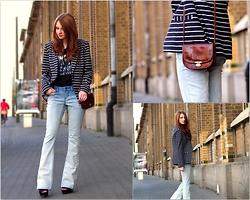 Sarah-M. - Dkny Jeans Flared, Dkny Jeans Print Shirt, The Bridge Vintage Leather Bag - Flared Jeans