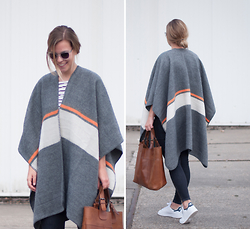 Jules V - Topshop Poncho - The power of the poncho