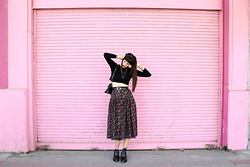 Paz Halabi Rodriguez - Basement Crop Top, Vintage Leather Bag, Yves Saint Laurent Belt, Vintage Pleated Flower Skirt, Zara Loafers - Pink wall