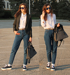 Kiamyse L -  - To work in jeans
