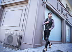 Mohcine Aoki - Byther, Burton Aztec Shirt, Guylook Ysl, Jessica Buurman Ysl, Headup Watches Head Up - FASHIONS FADE, STYLE IS ETERNAL / YVES SAINT LAURENT